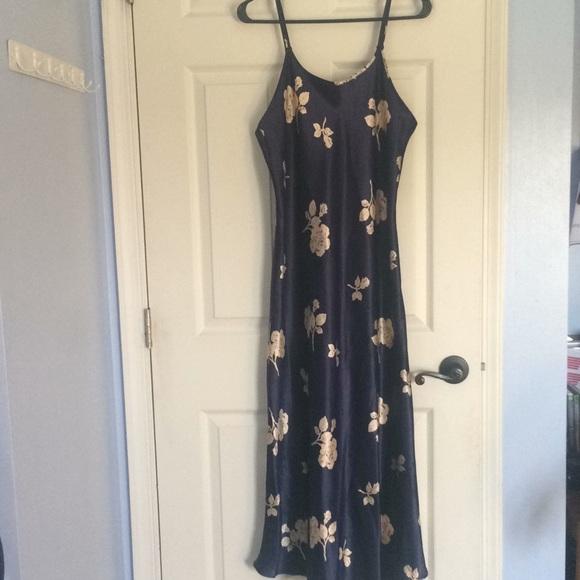 98af3d6b02b9b Jones New York Other - Jones NewYork navy blue floral night gown chemise